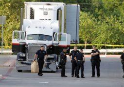 Conductor de camión de Texas dijo que no sabía que contenía inmigrantes