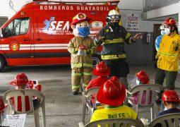 Bomberos de Guayaquil capacitaron a niños