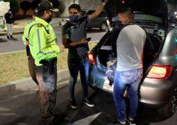 Altos controles en Quito para evitar aglomeraciones y consumo de alcohol