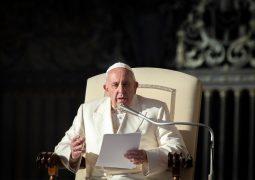 Tras escándalos, el Papa Francisco reforma autoridad financiera del Vaticano
