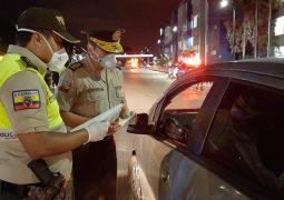 Operativos se realizaron en Guayaquil durante el toque de queda